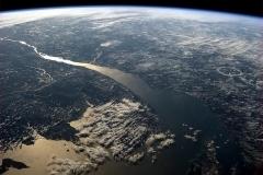 Le fleuve Saint-Jean vu de l'espace. Crédit photo: Chris Hadfield 2013